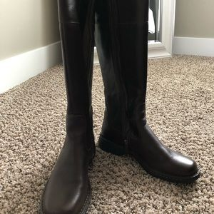Brand new brown leather born boots size 8.5